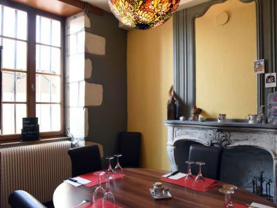 comptoir-gourmand-petit-salon.jpg